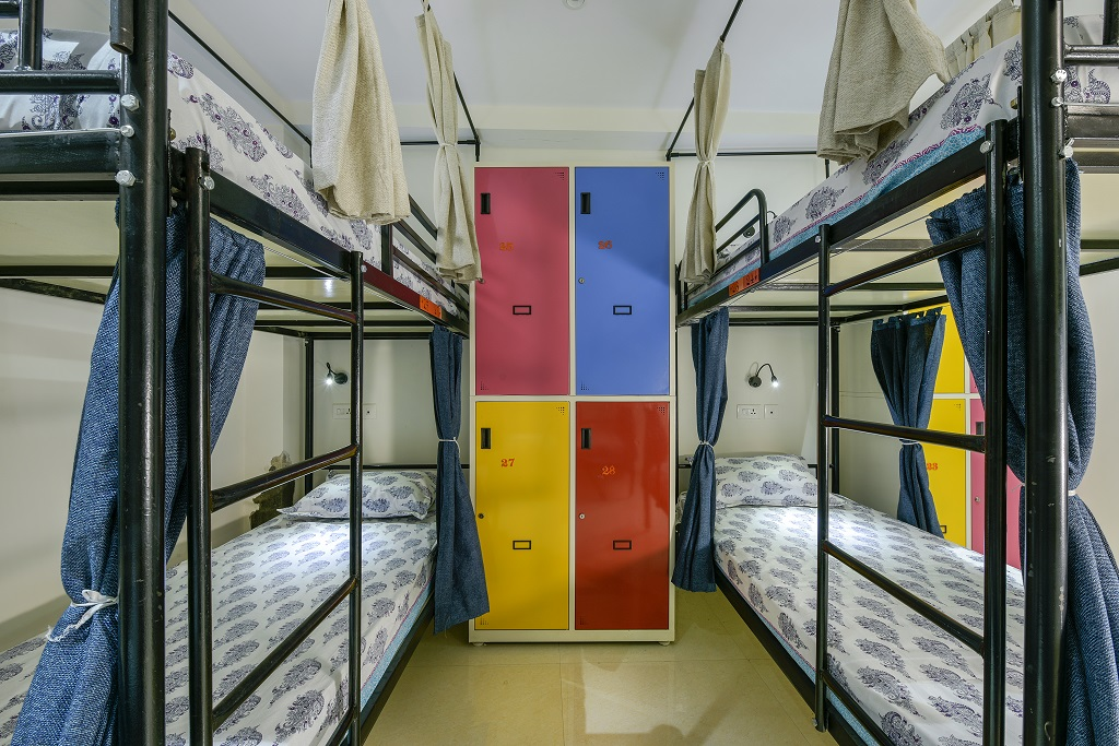 302-b(6 Bed)